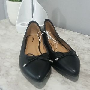 Brand new! Black pointed toe flats 7.5M